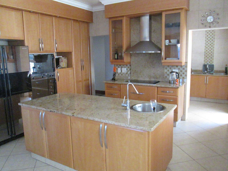 Glenvista property to rent. Ref No: 13552423. Picture no 14