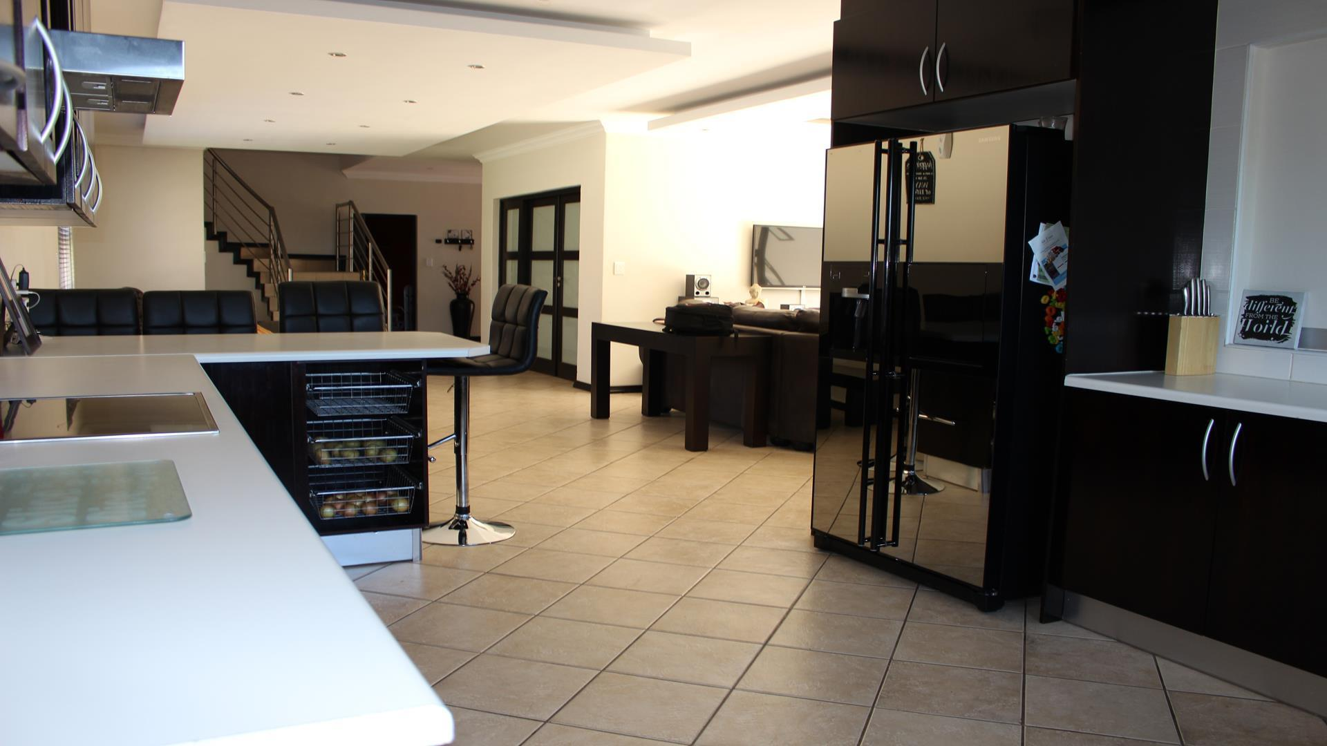 Raslouw Manor property for sale. Ref No: 13435098. Picture no 8