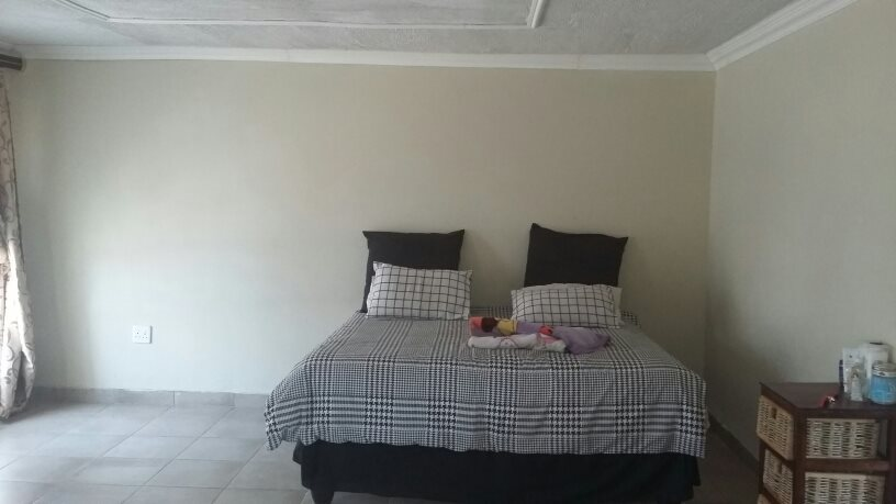 Karenpark property for sale. Ref No: 13565301. Picture no 21