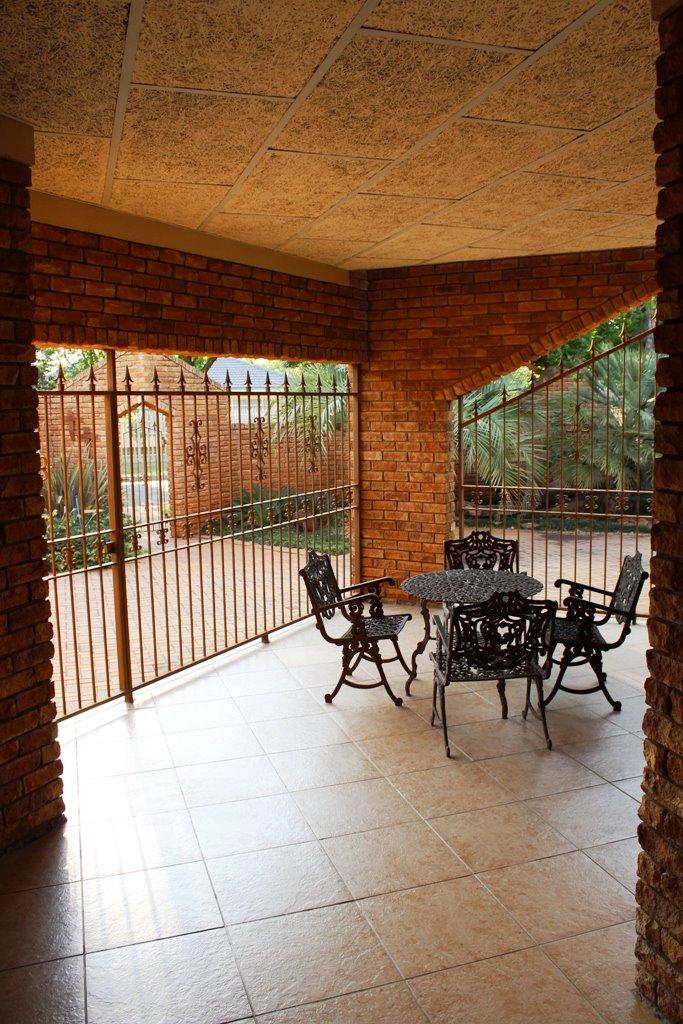 Baillie Park property for sale. Ref No: 13388302. Picture no 8