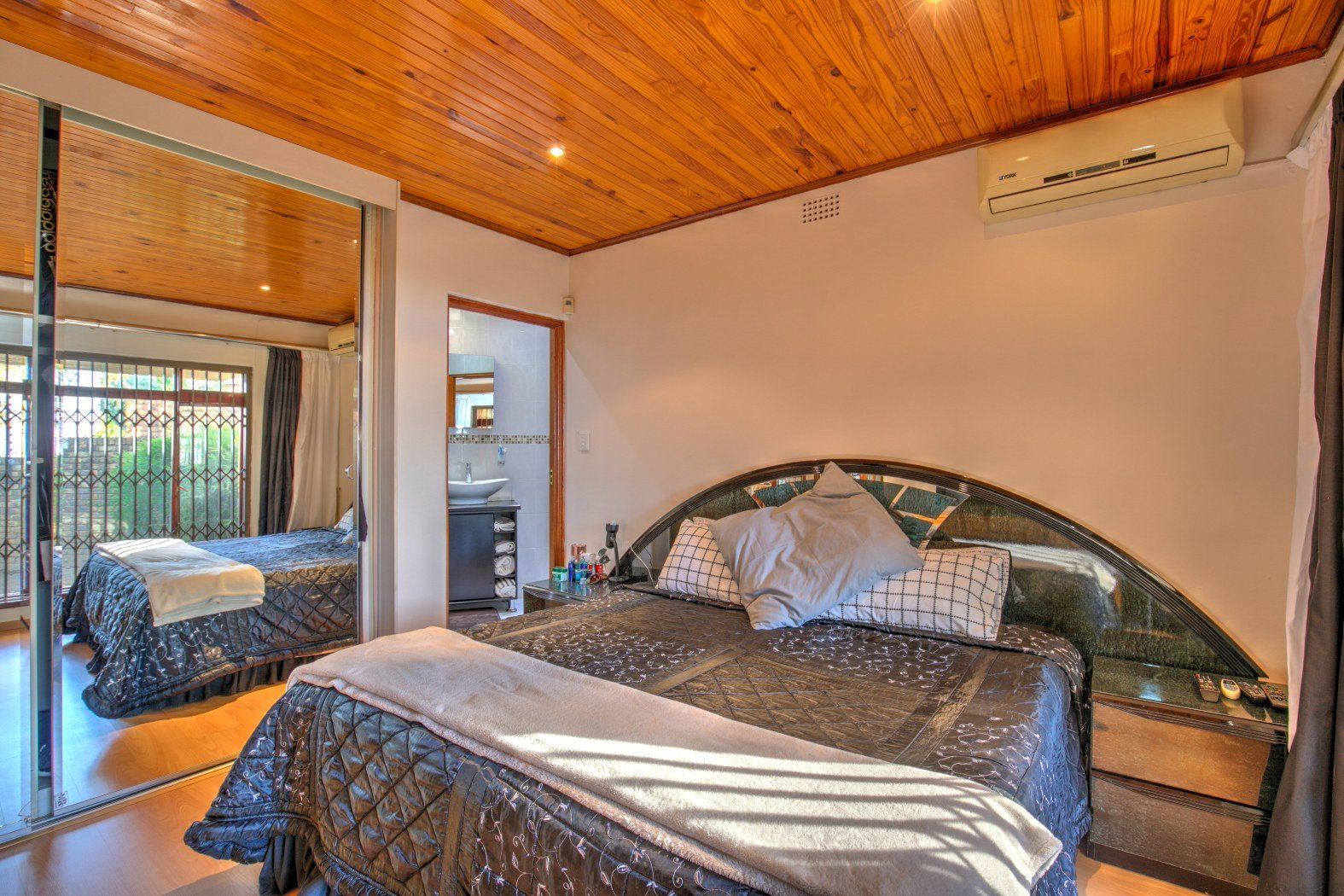 Bassonia property for sale. Ref No: 13506595. Picture no 11