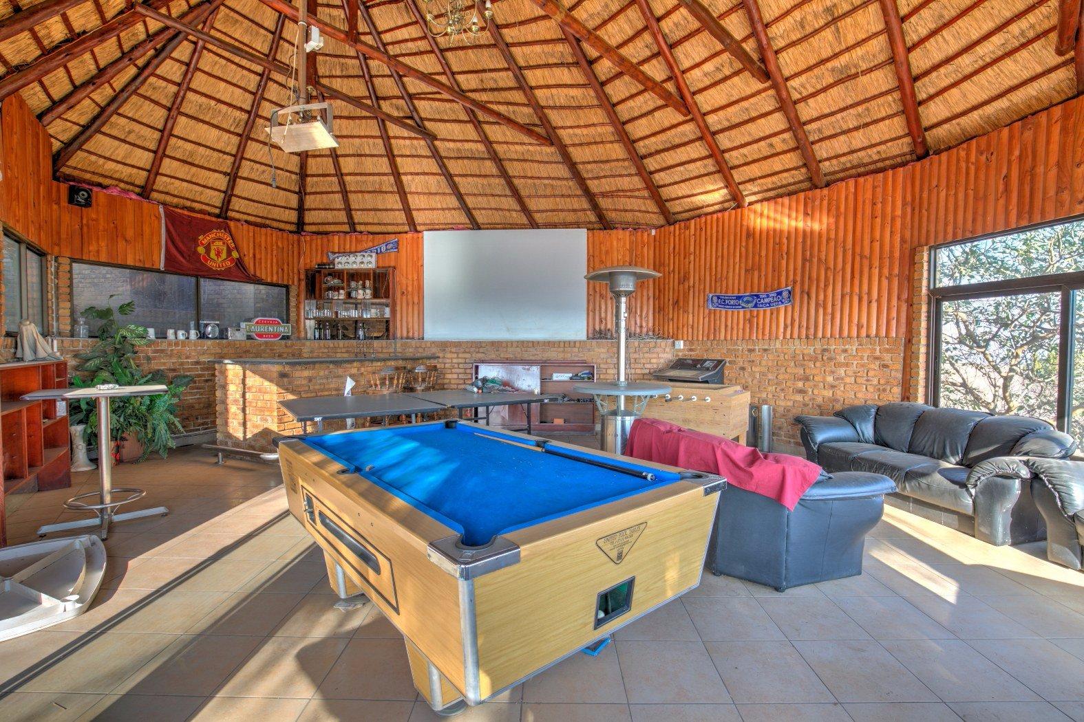 Bassonia property for sale. Ref No: 13506595. Picture no 26