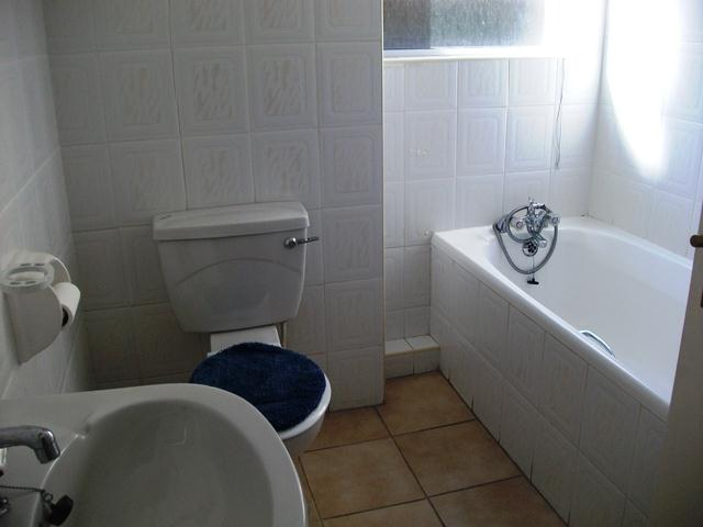 Ramsgate property for sale. Ref No: 12735311. Picture no 9