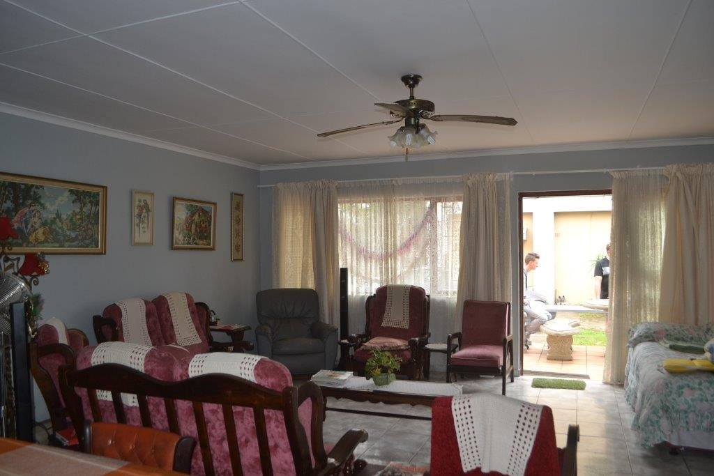 Hibberdene property for sale. Ref No: 13423871. Picture no 10