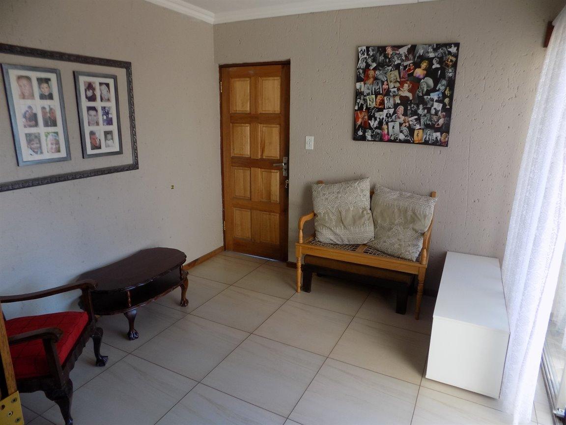 Alberton property for sale. Ref No: 13393819. Picture no 3