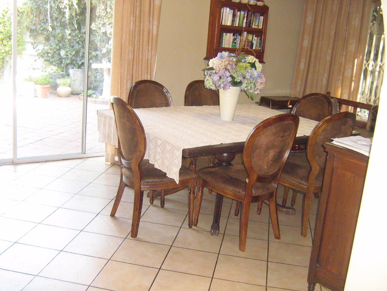 Mondeor property for sale. Ref No: 13525767. Picture no 6