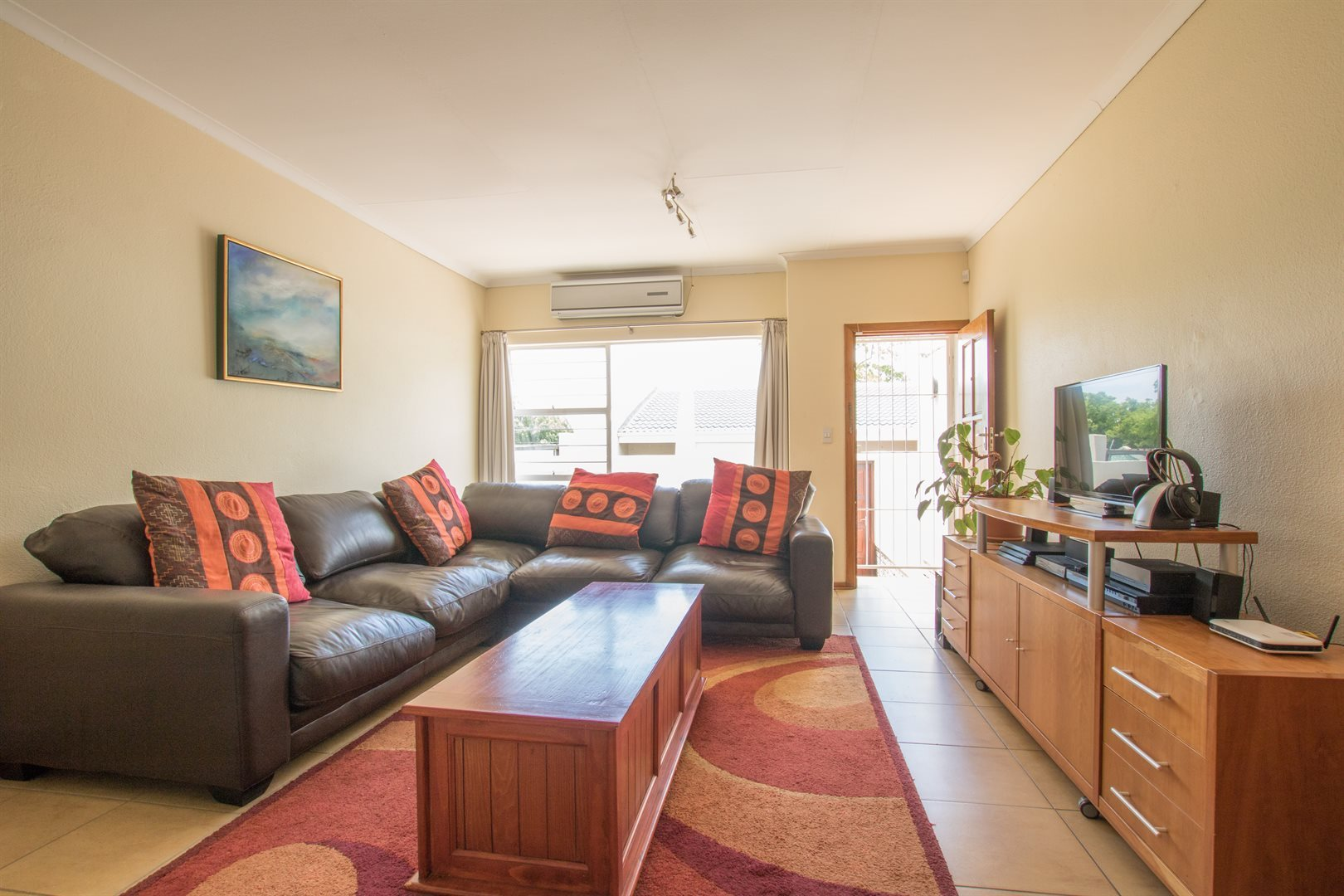 Lonehill property for sale. Ref No: 13566031. Picture no 5