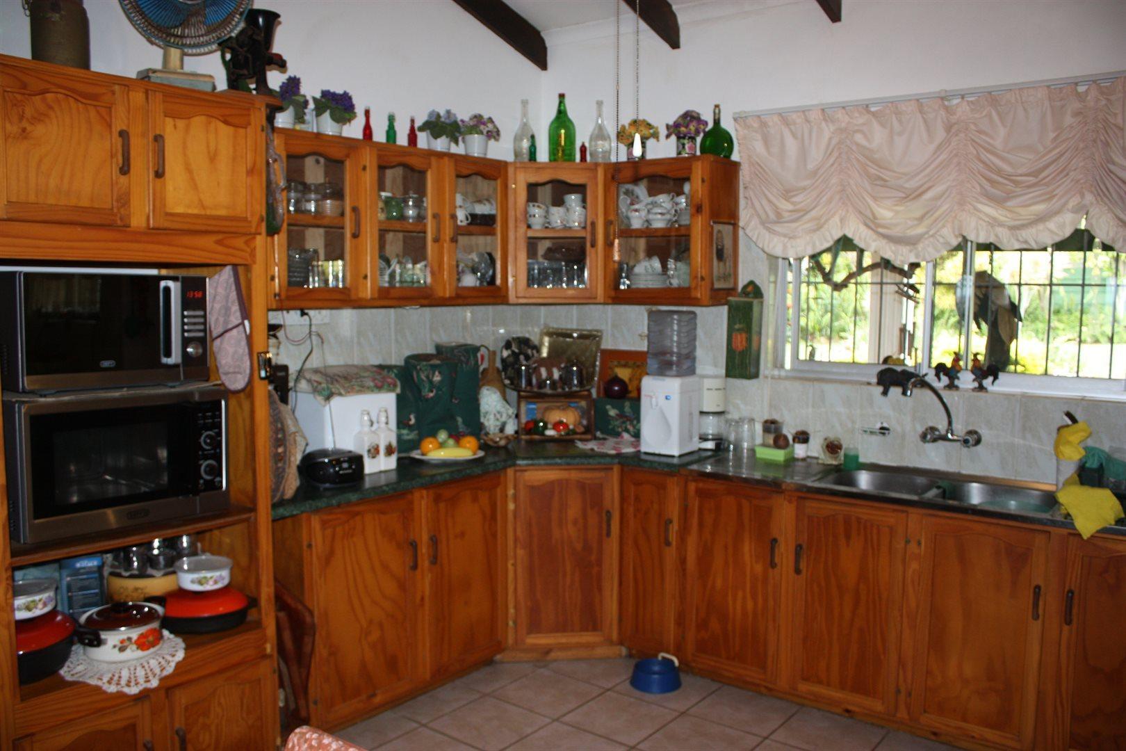 Pennington property for sale. Ref No: 13521481. Picture no 3