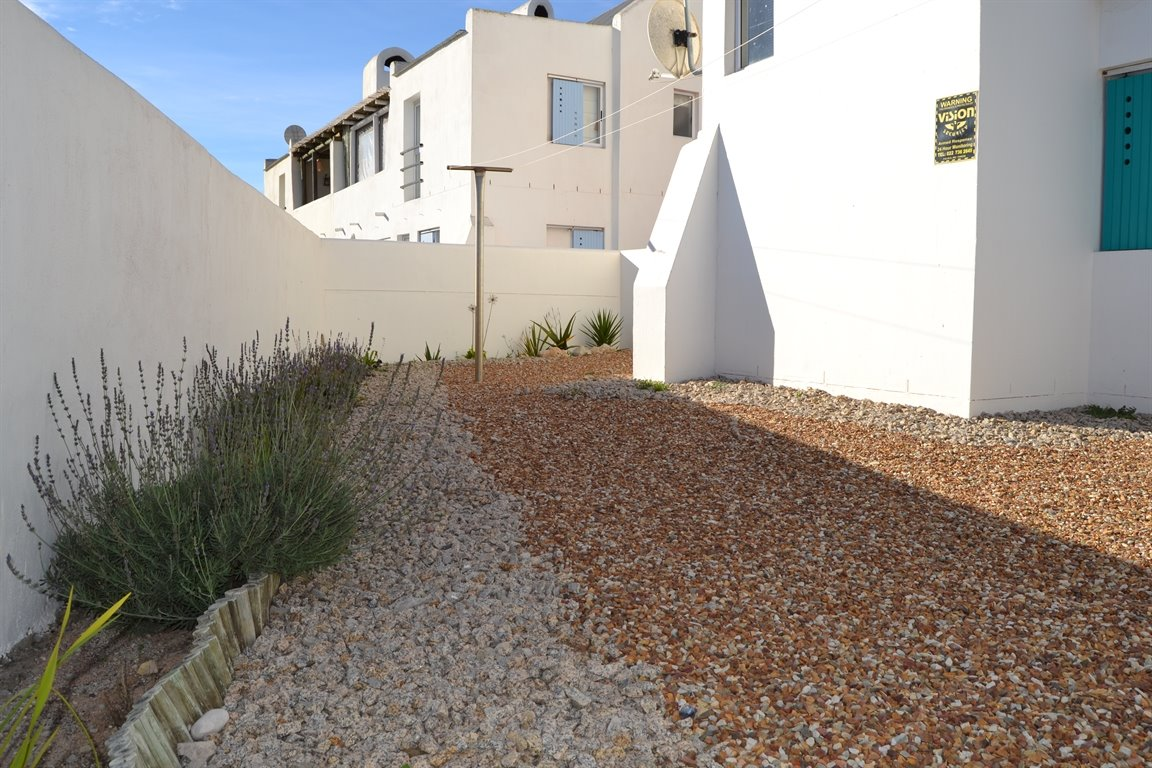 Lampiesbaai property for sale. Ref No: 13390055. Picture no 21