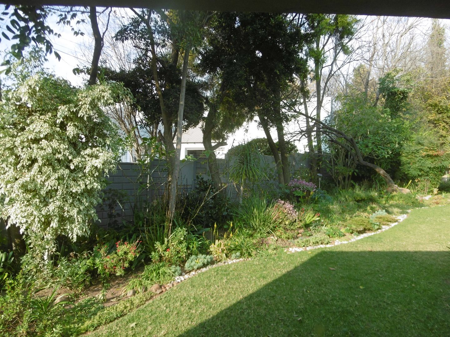 Bryanston property to rent. Ref No: 13504988. Picture no 4