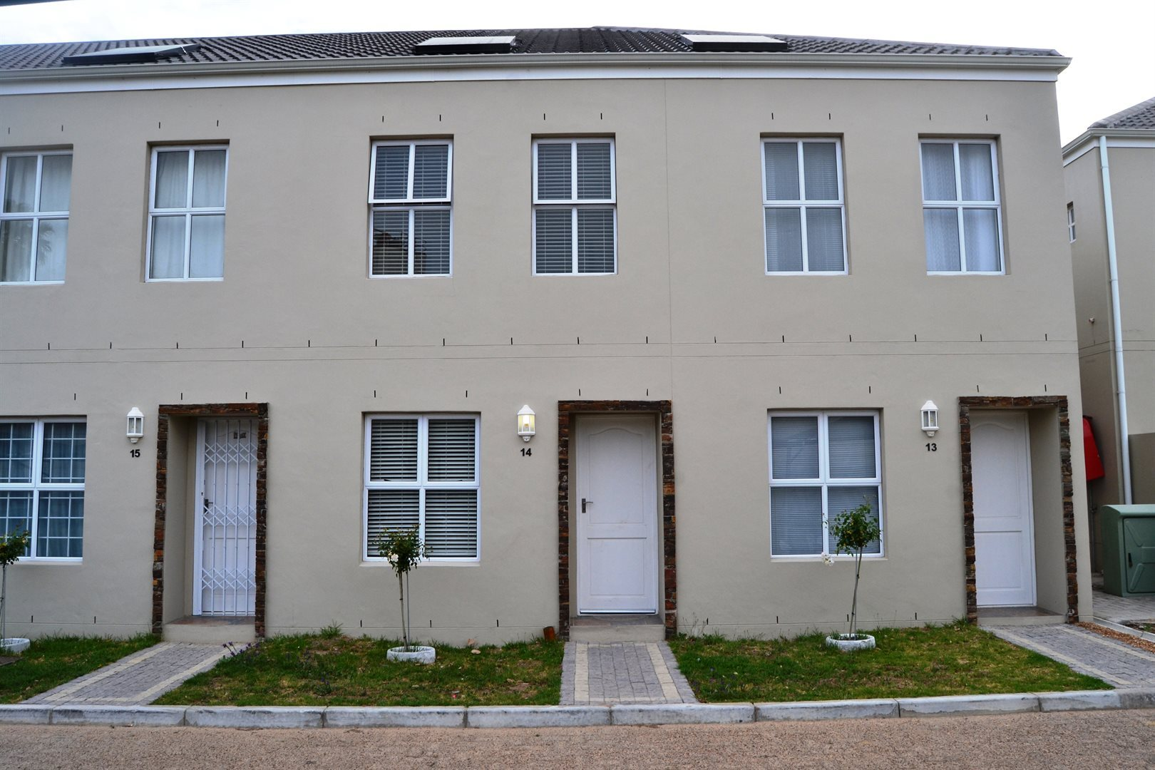 Property and Houses for sale in Paarl South, Townhouse, 2 Bedrooms - ZAR 1,290,000