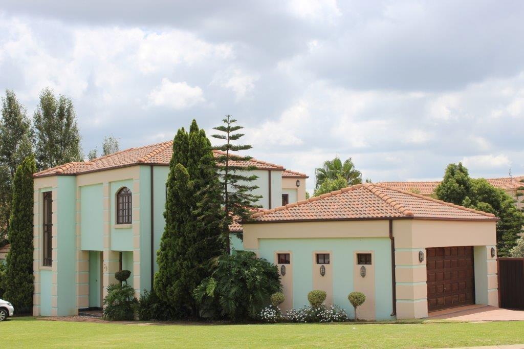 Centurion, Blue Valley Golf Estate Property  | Houses To Rent Blue Valley Golf Estate, Blue Valley Golf Estate, House 3 bedrooms property to rent Price:, 22,00*