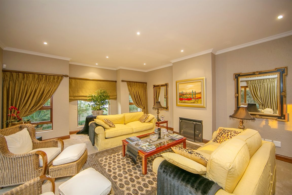 Fourways property for sale. Ref No: 13401727. Picture no 7