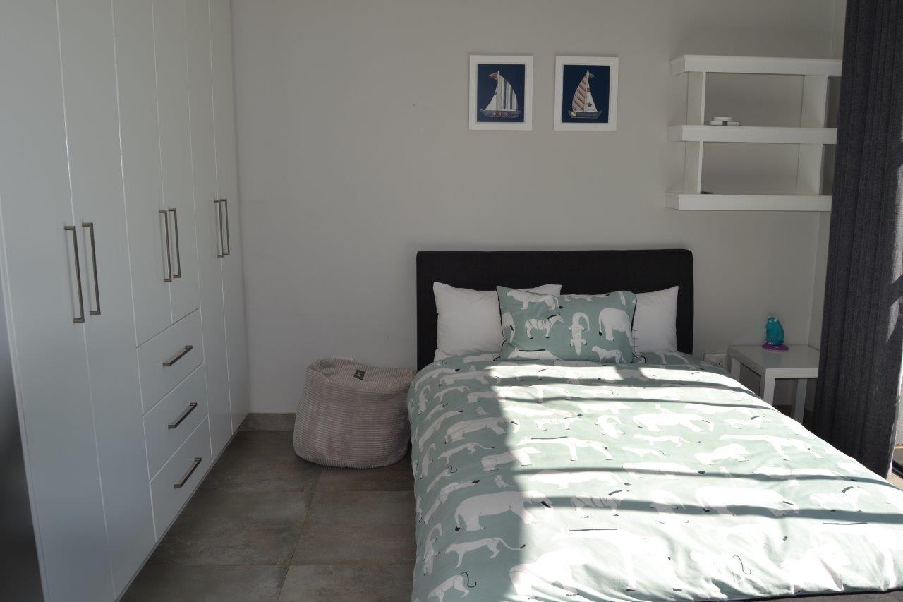 Midstream Hill property for sale. Ref No: 13632814. Picture no 26