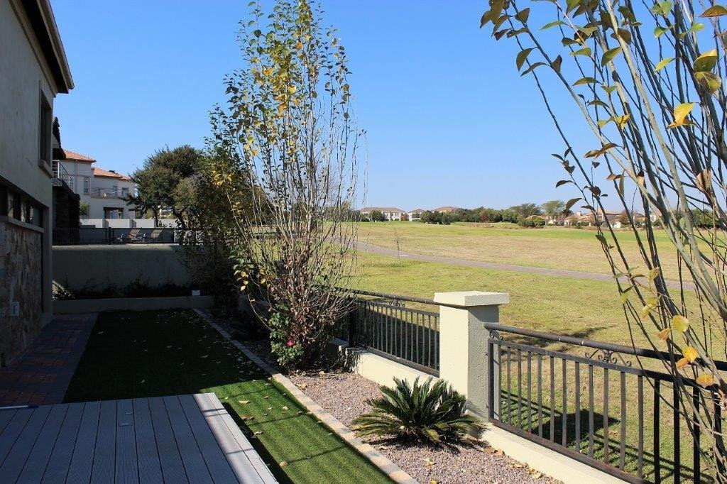 Blue Valley Golf Estate property for sale. Ref No: 13491559. Picture no 33