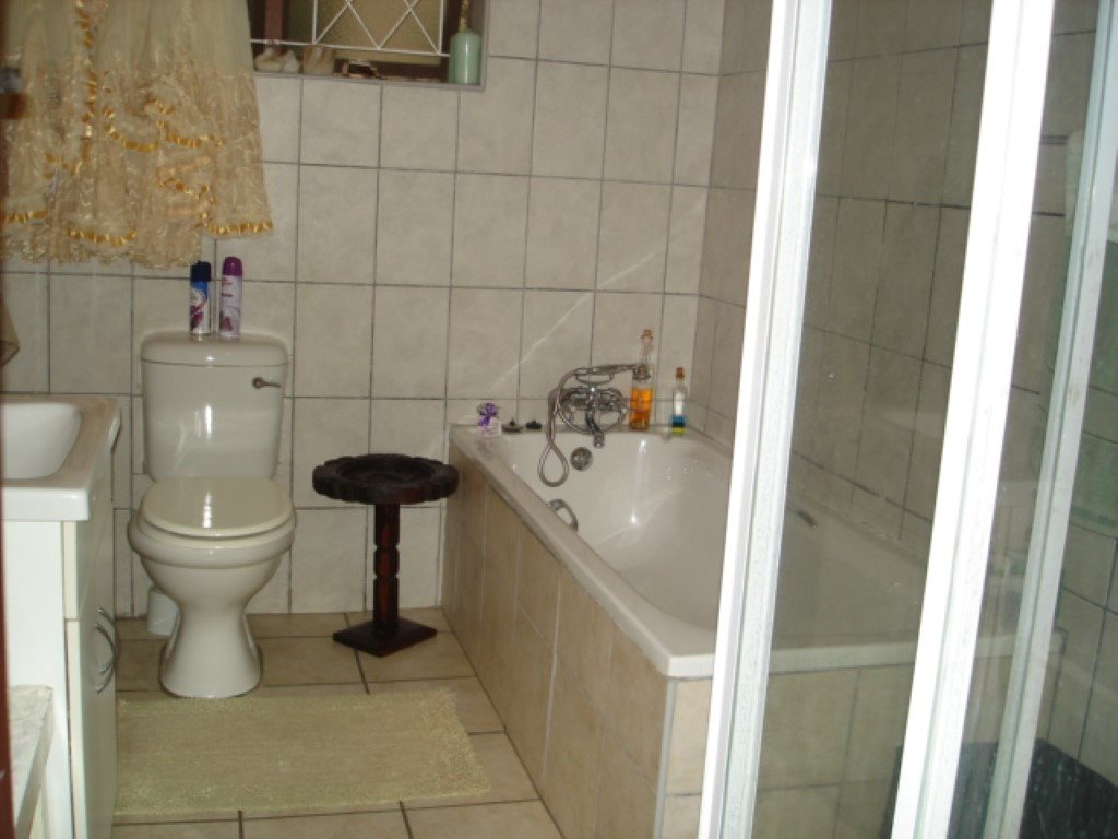 Southport property for sale. Ref No: 13386342. Picture no 9