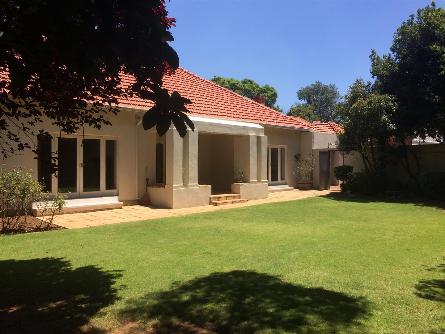Johannesburg, Saxonwold Property  | Houses To Rent Saxonwold, Saxonwold, House 5 bedrooms property to rent Price:, 30,00*