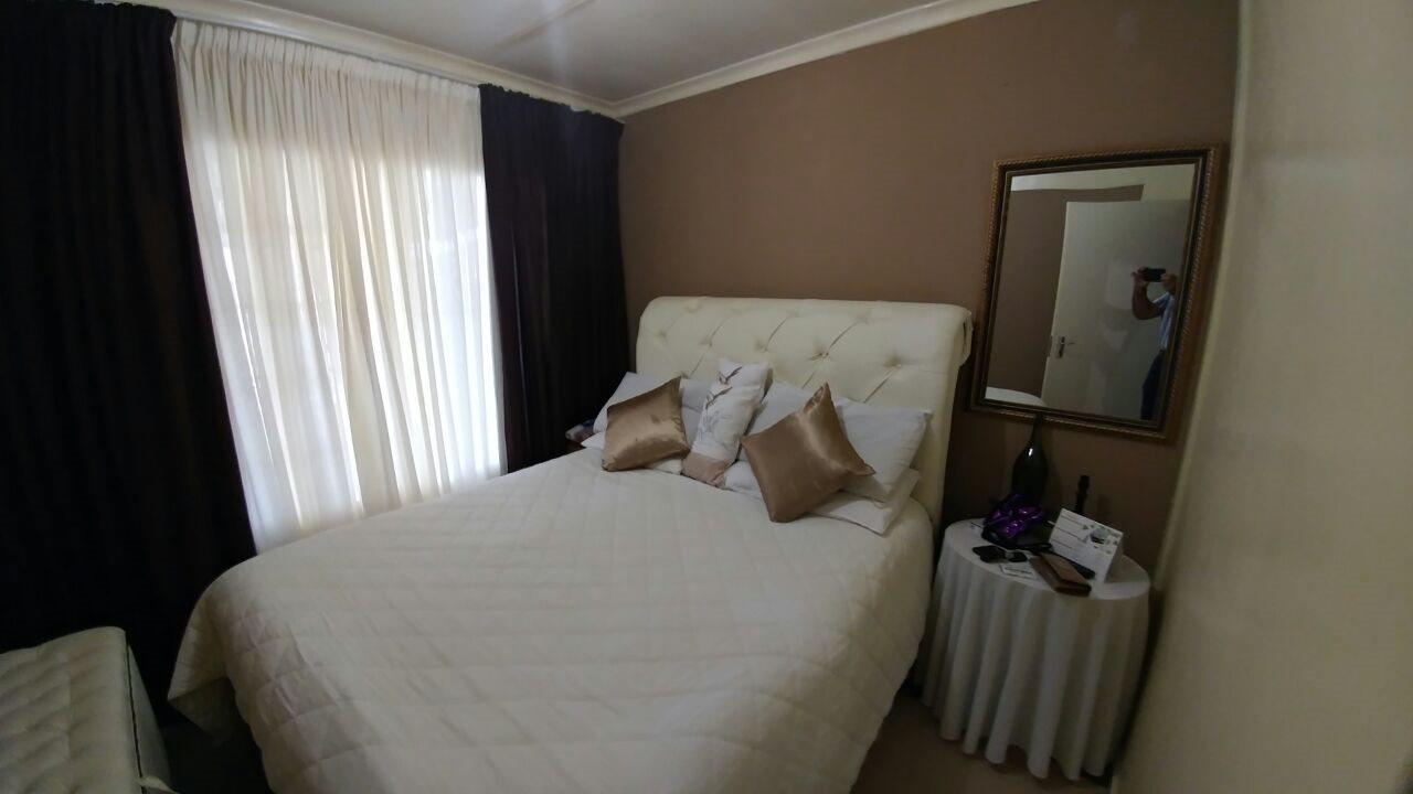 Rosslyn property for sale. Ref No: 13566713. Picture no 12