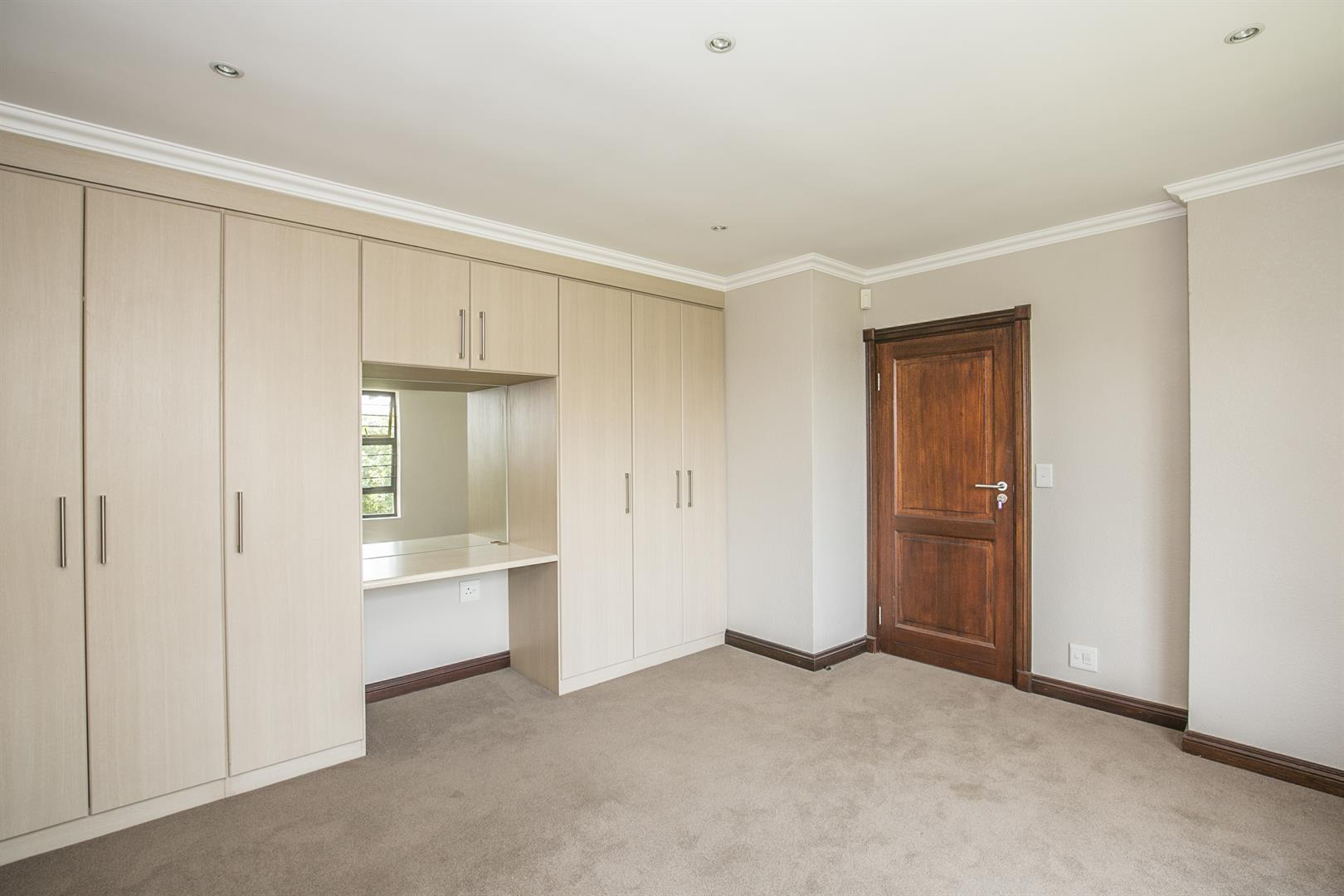 Fourways property for sale. Ref No: 13458374. Picture no 15