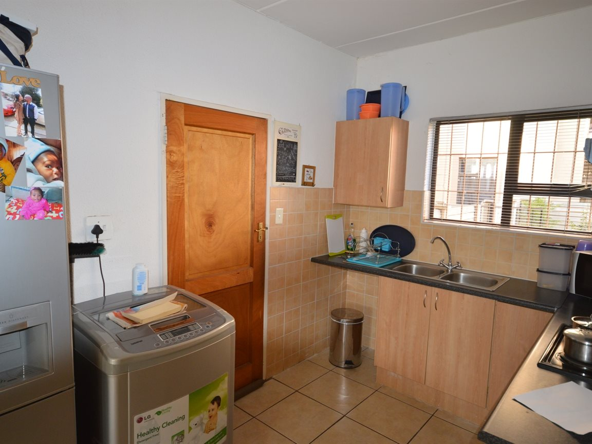 Vanderbijlpark Se9 property for sale. Ref No: 12799356. Picture no 3