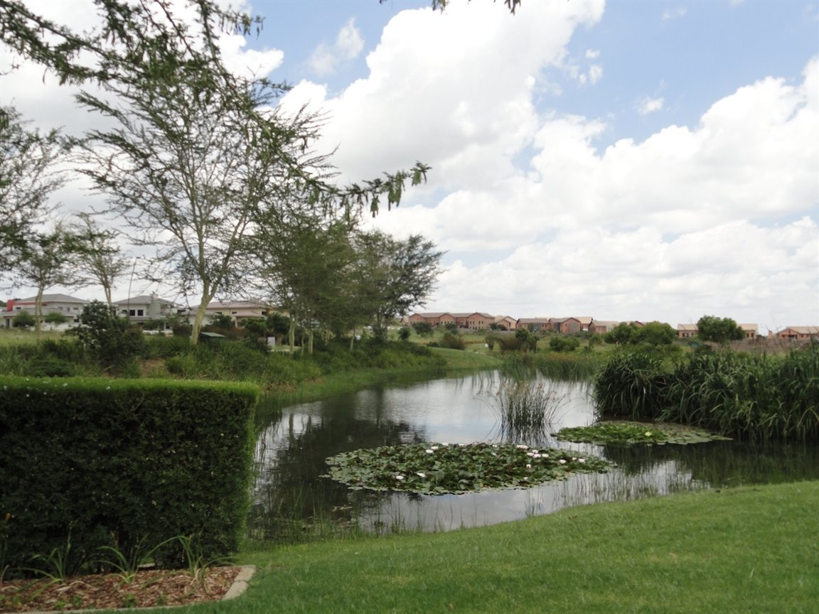 Lombardy Estate property for sale. Ref No: 13419335. Picture no 5