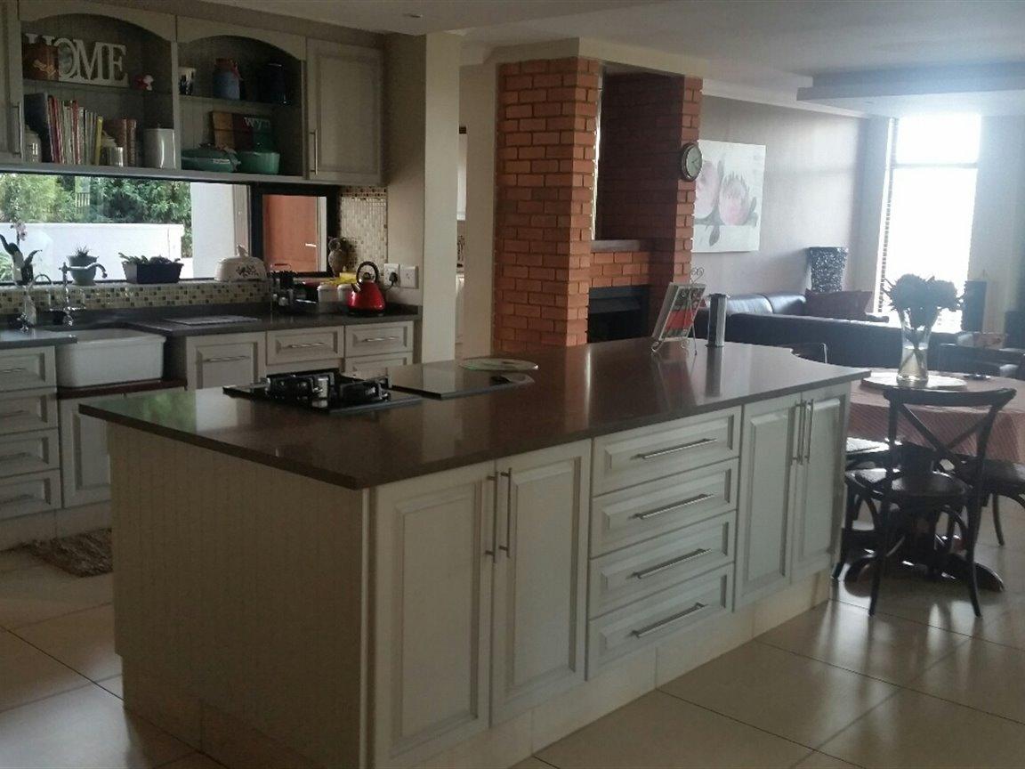 Midfield Estate property for sale. Ref No: 13397837. Picture no 3