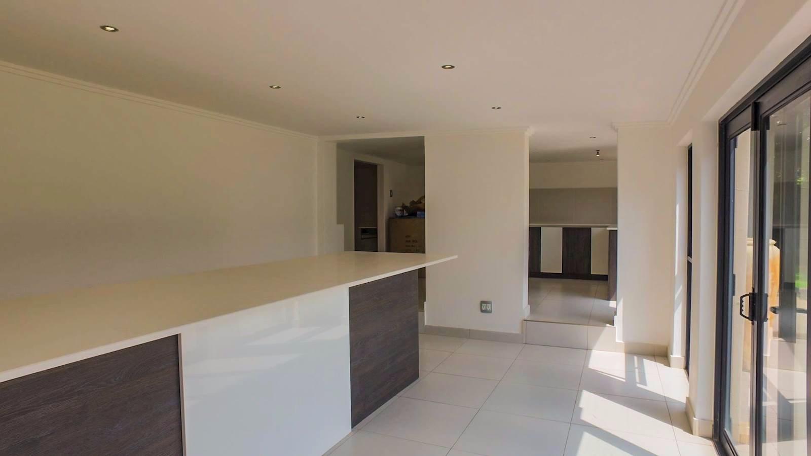 Glenvista property for sale. Ref No: 13524841. Picture no 5