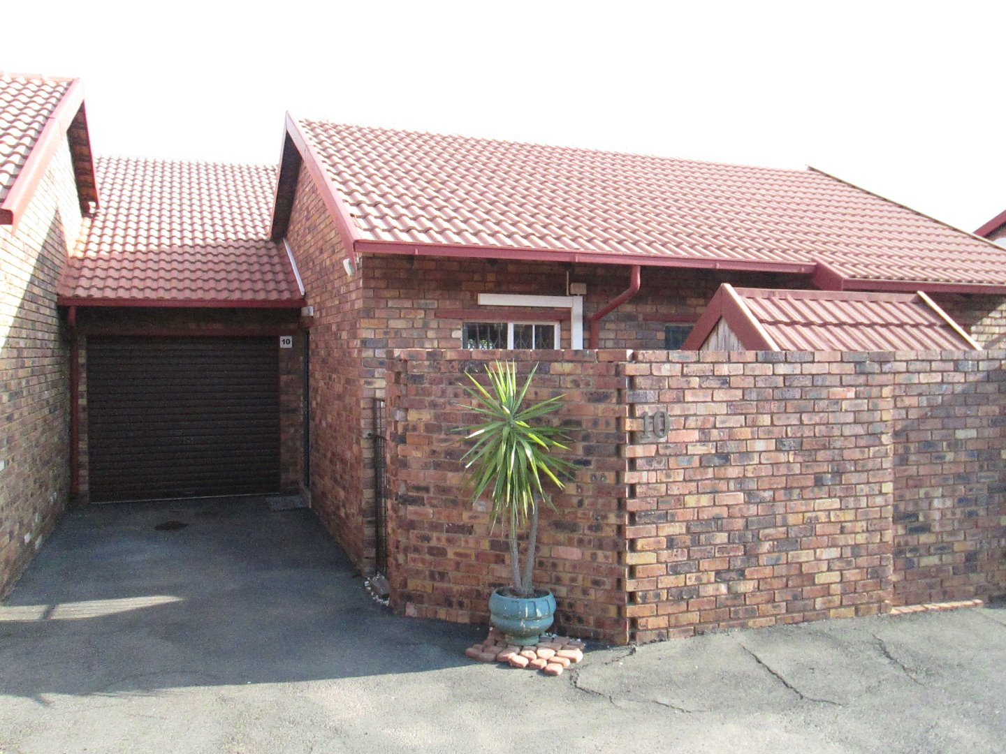 Alberton, South Crest Property  | Houses To Rent South Crest, South Crest, Townhouse 2 bedrooms property to rent Price:,  7,00*