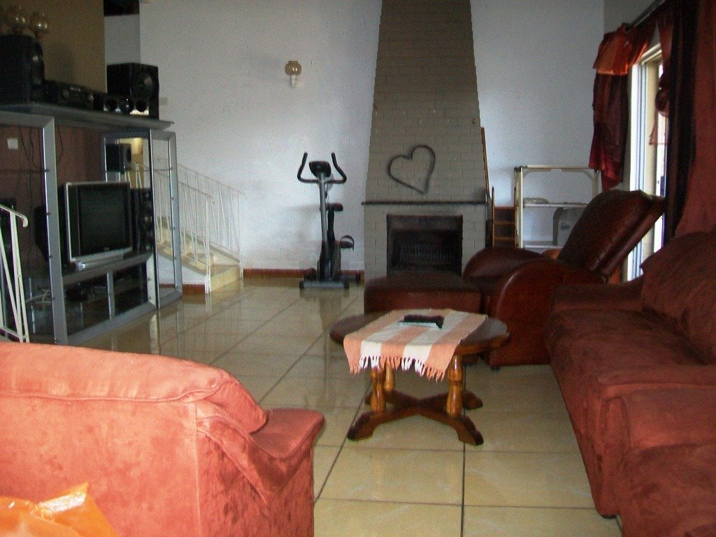 Crestholme property for sale. Ref No: 13505114. Picture no 6