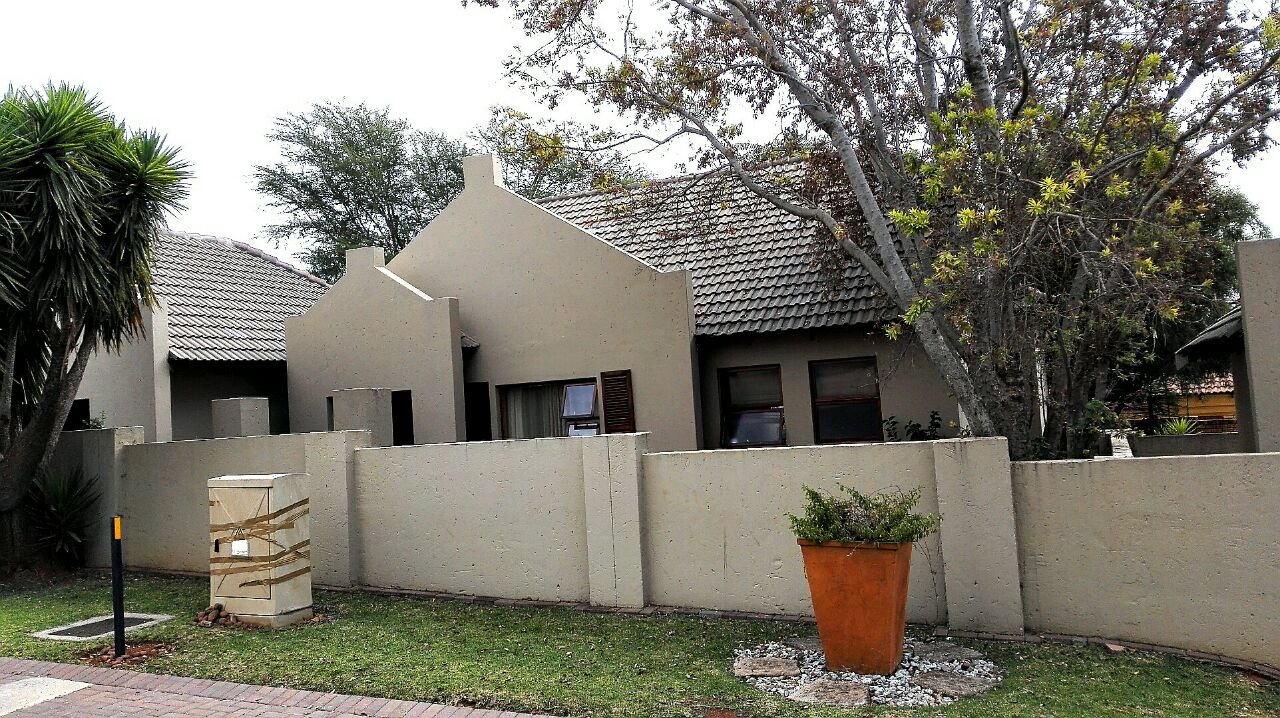 Krugersdorp, Pinehaven Property  | Houses For Sale Pinehaven, Pinehaven, Townhouse 3 bedrooms property for sale Price:1,530,000