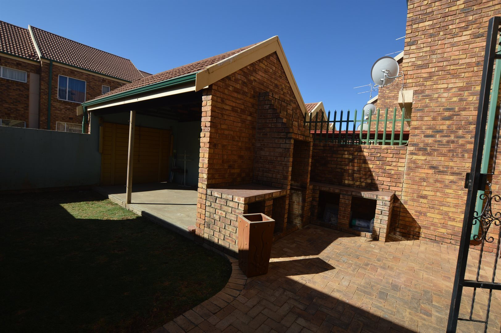 Roodia property for sale. Ref No: 13523913. Picture no 10