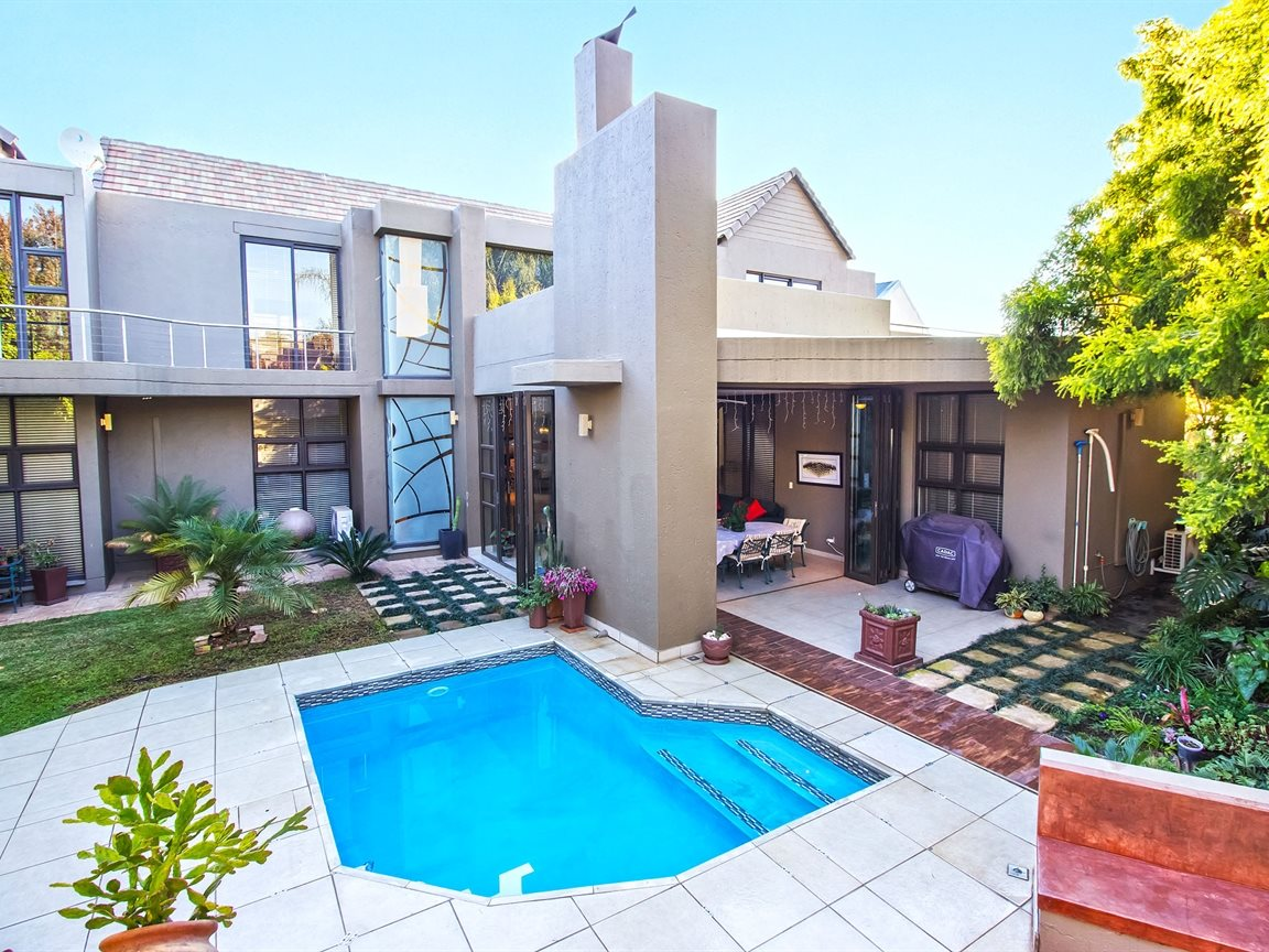 Property and Houses for sale in Silver Stream Estate, House, 5 Bedrooms - ZAR 5,400,000