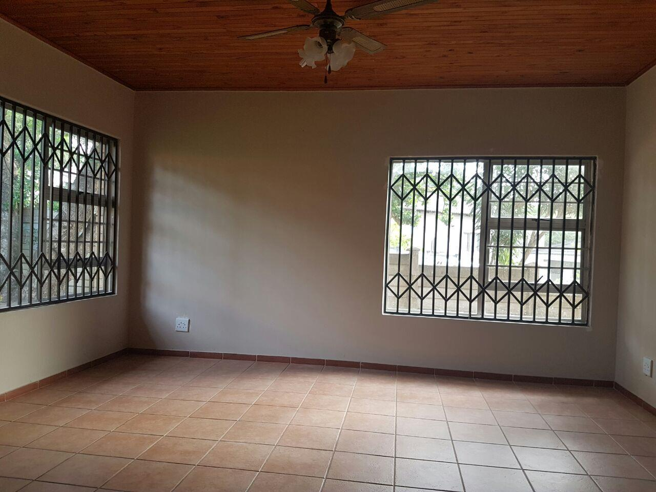 Birdswood property to rent. Ref No: 13441054. Picture no 12