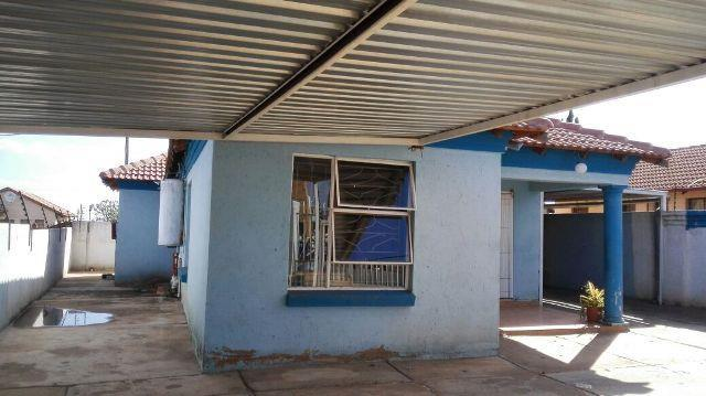 Property and Houses for sale in Soshanguve, House, 3 Bedrooms - ZAR 696,000