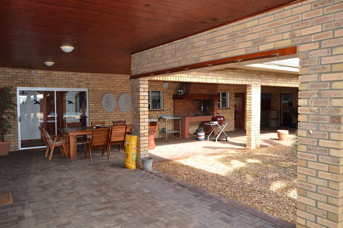 Paarl property for sale. Ref No: 13379607. Picture no 5