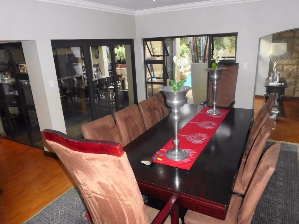 Midstream Estate property for sale. Ref No: 13506205. Picture no 10