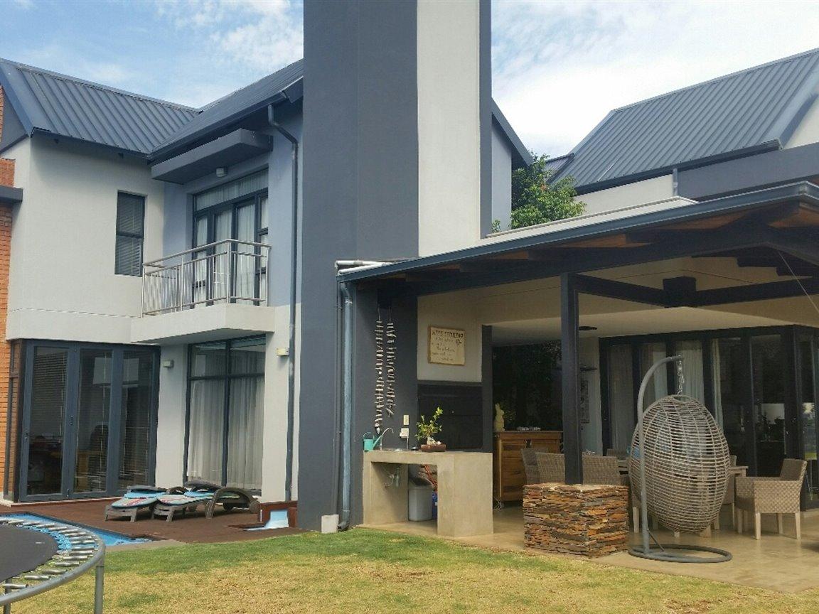 Midfield Estate property for sale. Ref No: 13397837. Picture no 16
