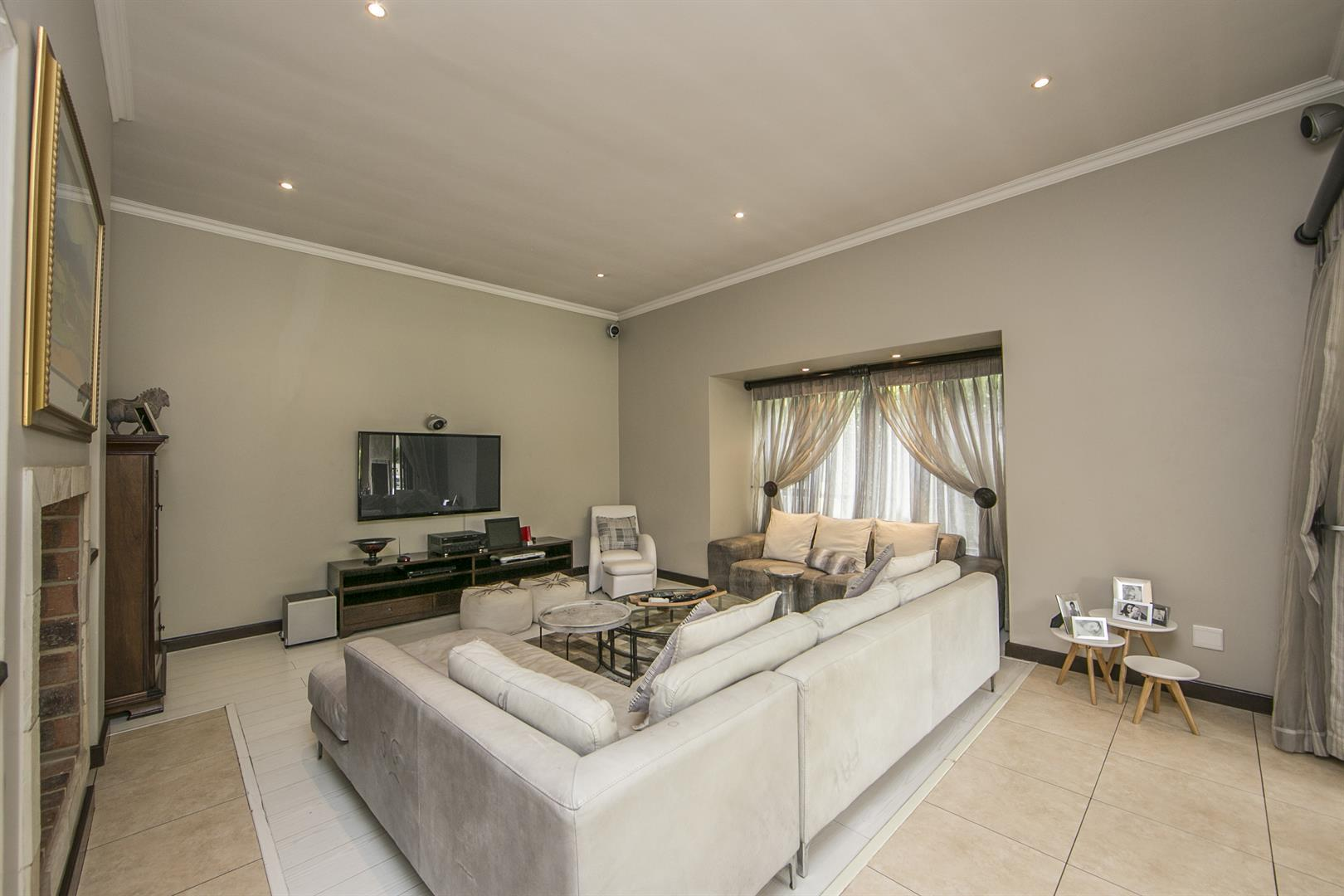 Fernbrook Estate property for sale. Ref No: 13439619. Picture no 7