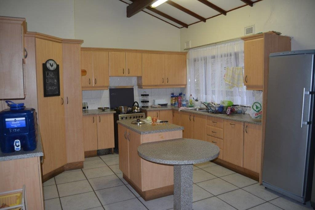 Uvongo property for sale. Ref No: 13590094. Picture no 4