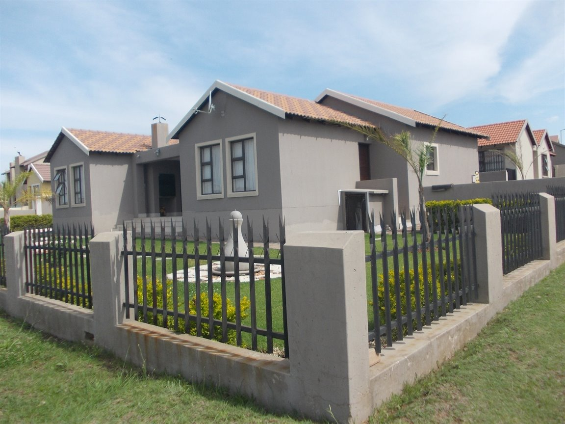 Centurion, Summerfields Estate Property  | Houses For Sale Summerfields Estate, Summerfields Estate, House 3 bedrooms property for sale Price:1,600,000