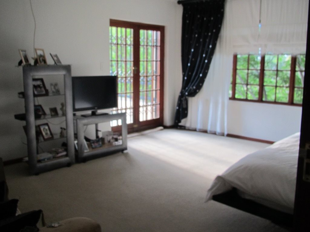 Faerie Glen property for sale. Ref No: 13396156. Picture no 11