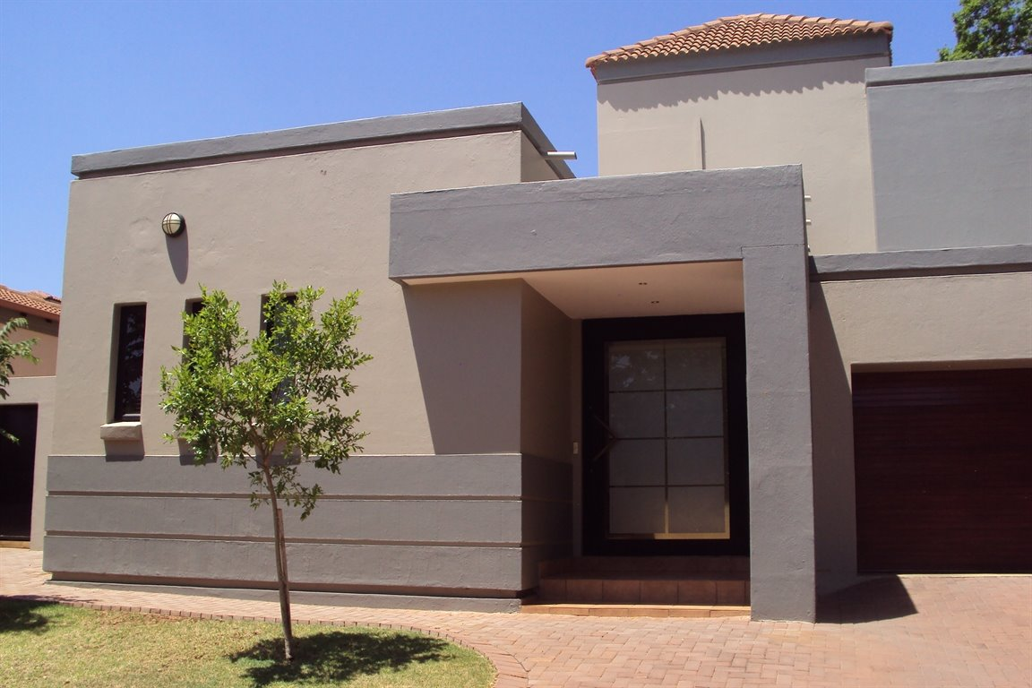 Property and Houses to rent in Centurion Golf Estate, House, 4 Bedrooms - ZAR , 30,00*,M