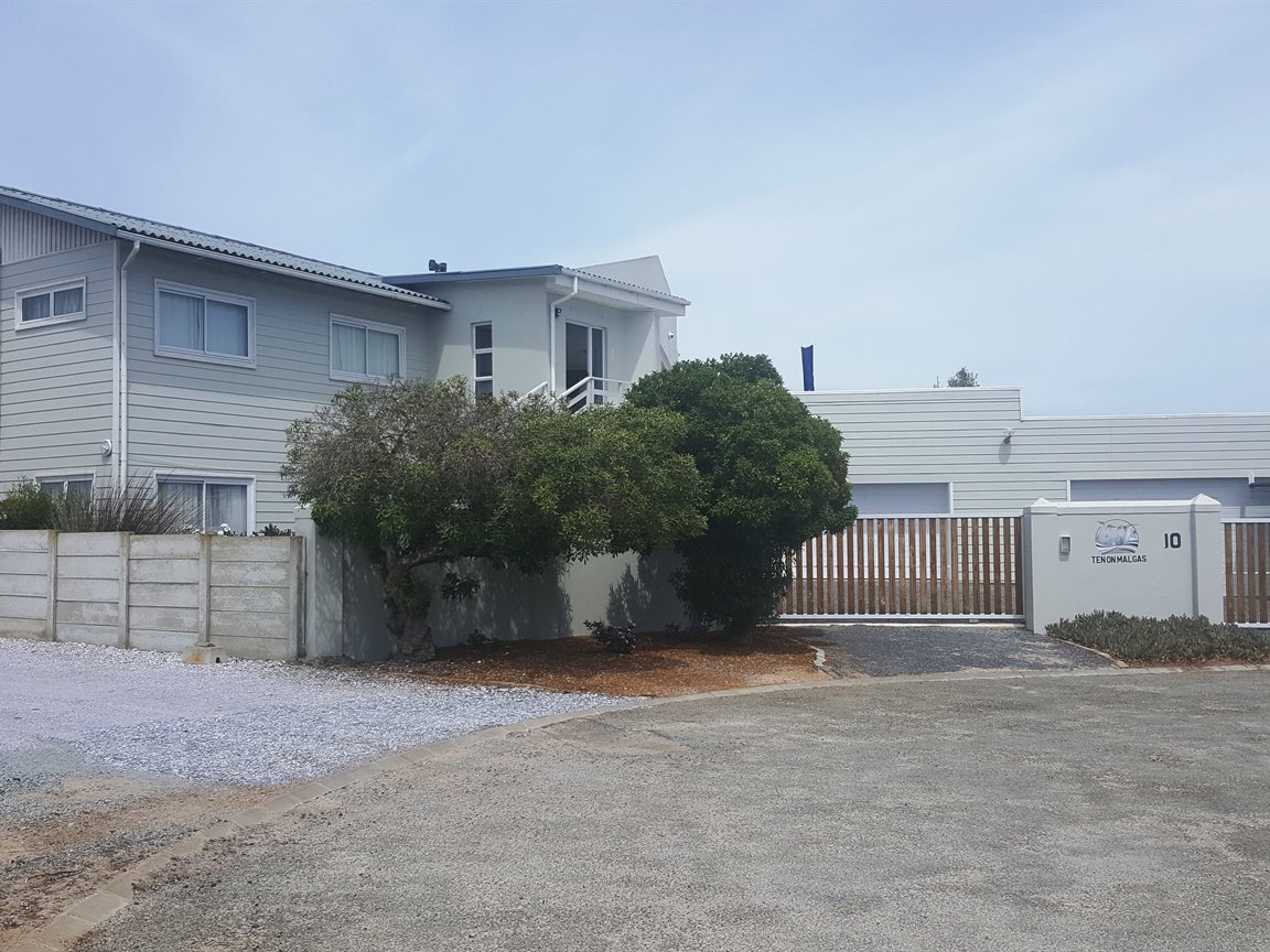 Yzerfontein property for sale. Ref No: 13425267. Picture no 35