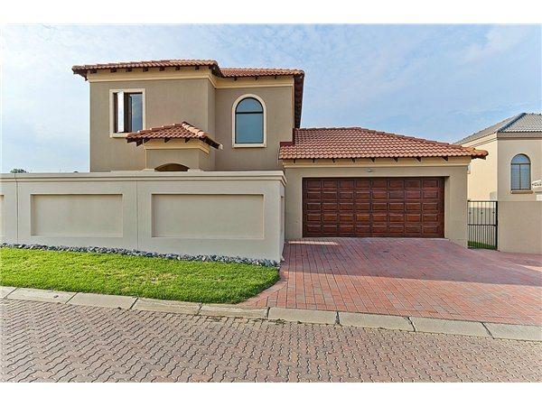 Midrand property for sale. Ref No: 13532319. Picture no 2