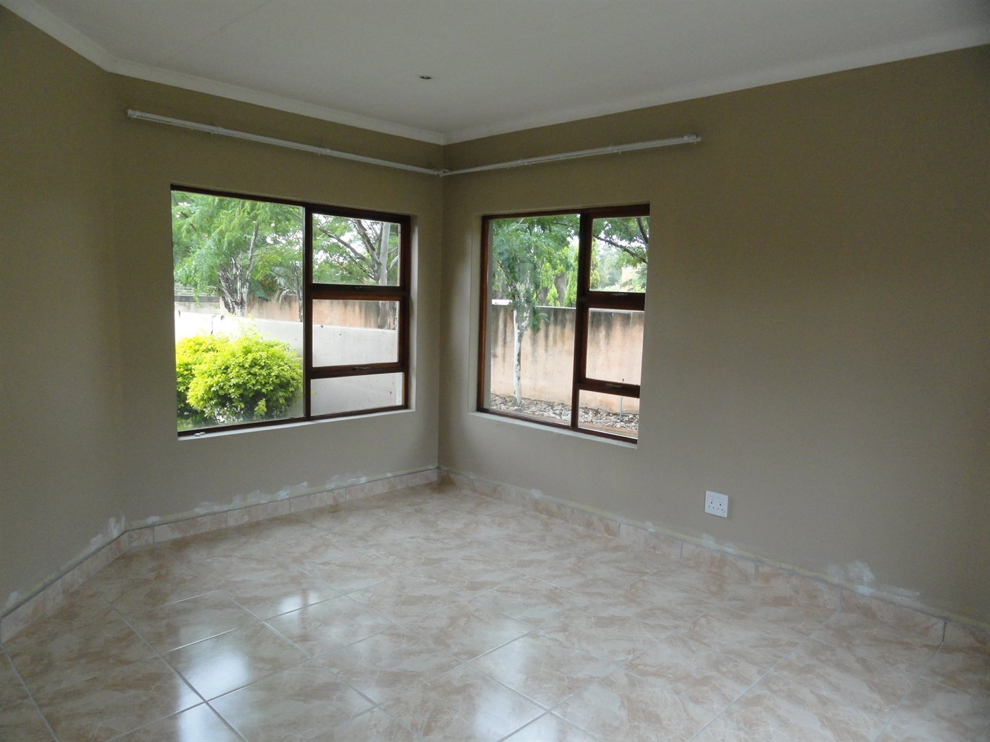 Willow Acres Estate property for sale. Ref No: 13473862. Picture no 2