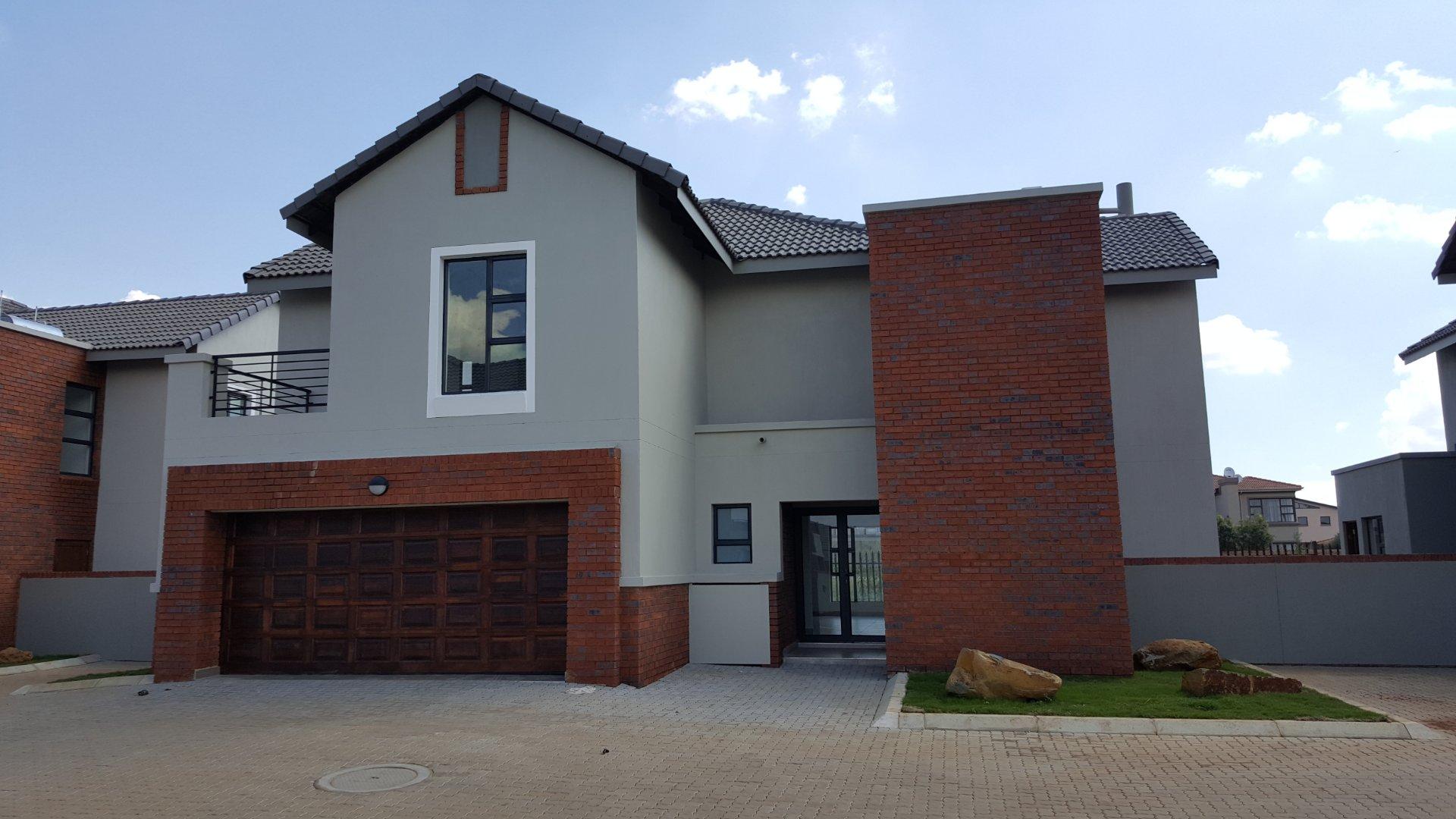 Alberton, Meyersdal Nature Estate Property  | Houses For Sale Meyersdal Nature Estate, Meyersdal Nature Estate, Townhouse 3 bedrooms property for sale Price:3,900,000