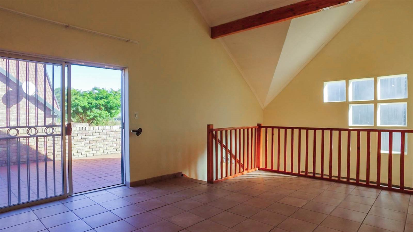Die Hoewes property for sale. Ref No: 13397871. Picture no 17