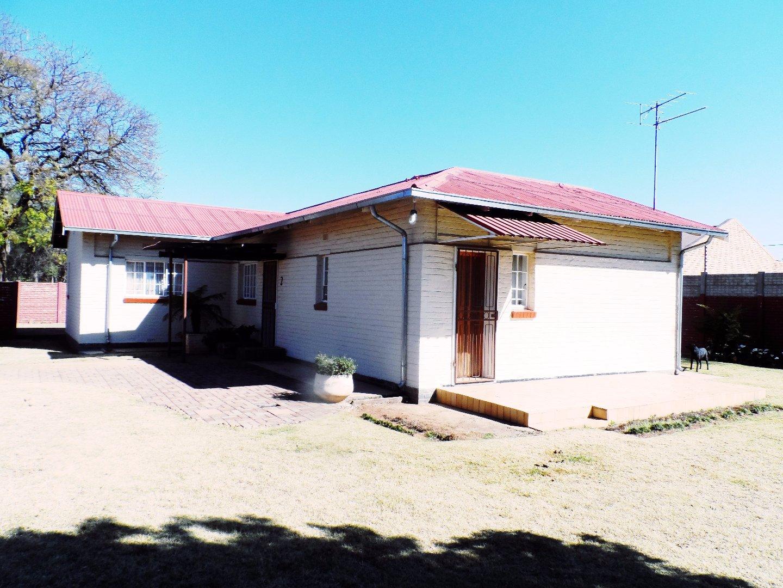 Krugersdorp, Dan Pienaarville Property  | Houses For Sale Dan Pienaarville, Dan Pienaarville, House 3 bedrooms property for sale Price:700,000