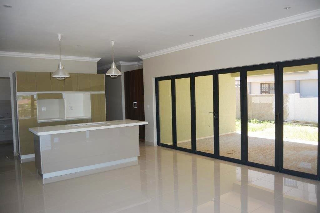Shelly Beach property for sale. Ref No: 13324380. Picture no 8