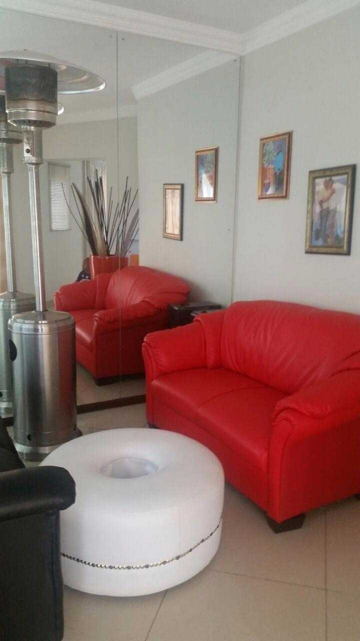 Theresapark property for sale. Ref No: 13567189. Picture no 8